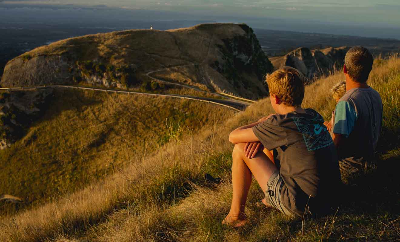 Si la perspective de marcher sur 19 km ne vous enchante guère, pourquoi ne pas aller plutôt en voiture au Te Mata Peak.