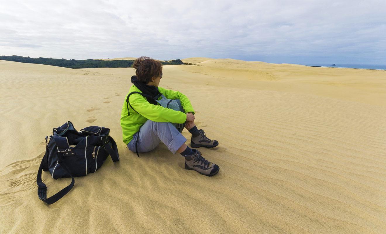 Le surf des sables est une activité de plage à laquelle vous n'auriez jamais pensé de prime à bord. Et pourtant, il suffit de louer une planche à la sauvette pour dévaler les pentes jusqu'à la mer.