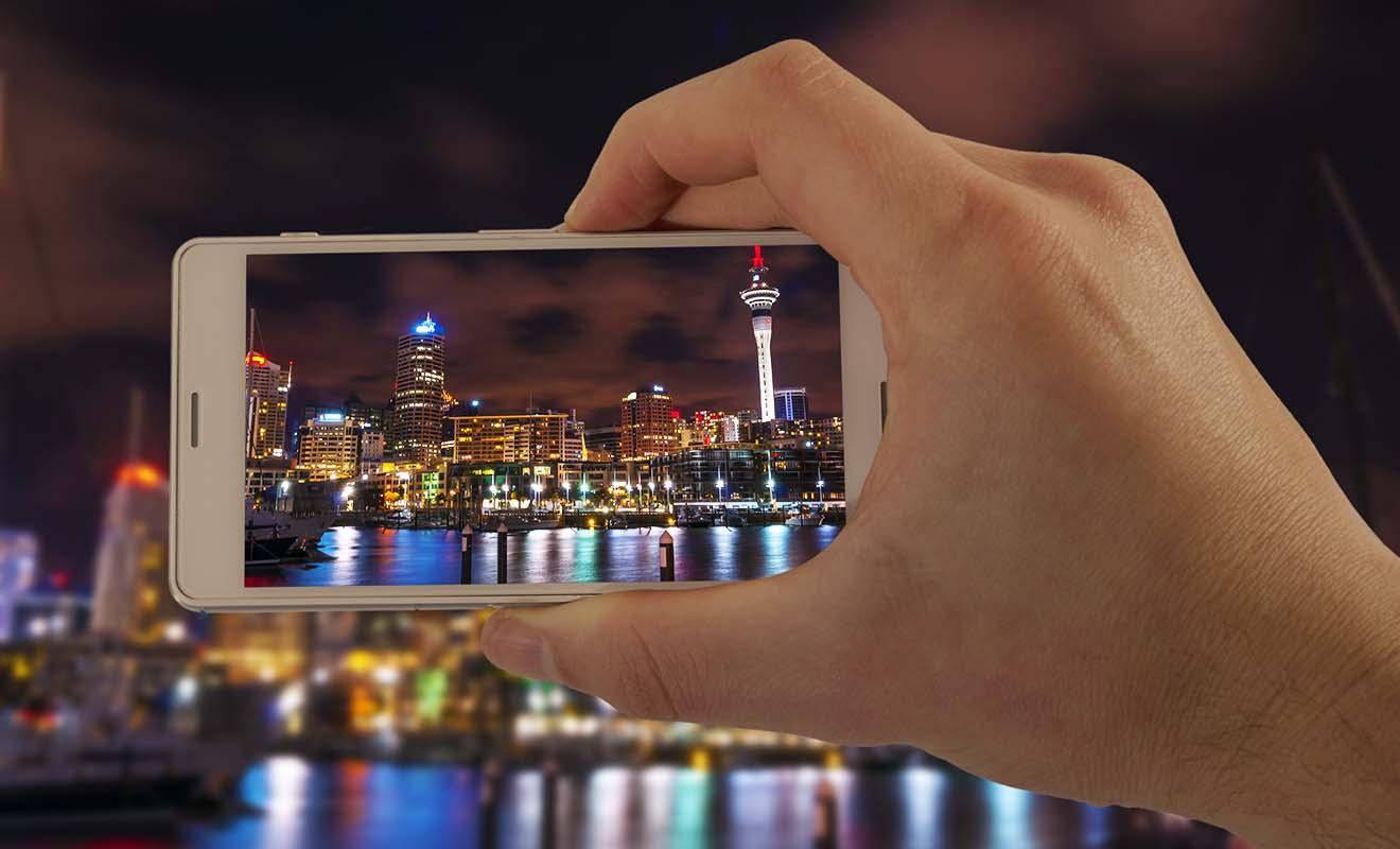 L'idéal consiste à pouvoir utiliser son mobile à l'étranger, en se contentant de changer la carte SIM.