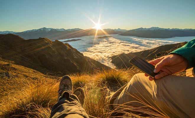 Le paysage est fait pour être admiré avec les yeux, mais le smartphone qui sert souvent d'appareil photo sera malgré tout très utile.