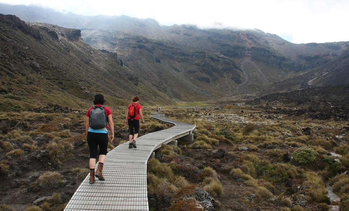 Le début de la randonnée est facile, mais il peut faire très frais le matin, surtout au printemps. Commencez doucement pour conserver vos forces durant la phase d'ascension qui va suivre.