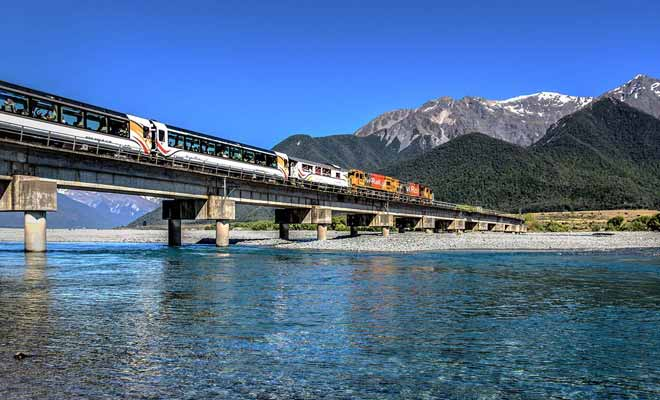 Le train n'est pas une solution recommandée pour visiter tout le pays, mais vous pouvez très bien inclure un trajet de ce type durant votre voyage.