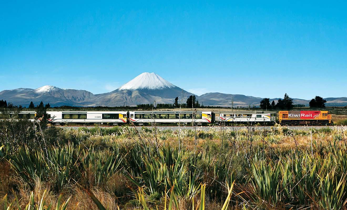Malgré sa lenteur légendaire (comptez 12 h pour un trajet entre Auckland et Wellington), le train est préférable à l'avion si vous souhaitez admirer les paysages.