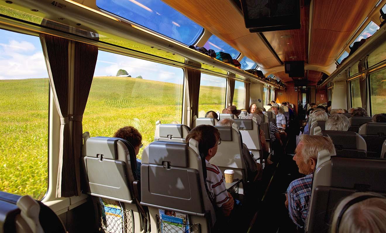 Pour voyager en train en Nouvelle-Zélande, il ne faut pas être pressé, car les trajets peuvent être parfois être très longs.