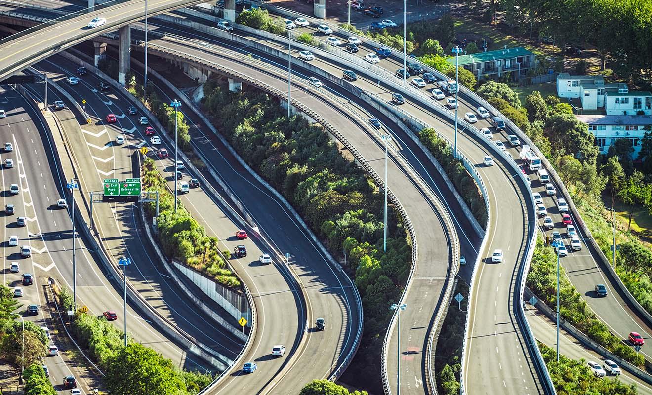 Mis à part aux horaires de sortie des bureaux, il n'y a pas grand monde sur la route à Auckland, Wellington ou Christchurch.