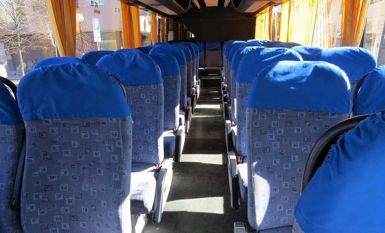Ne vous attendez pas non plus à une qualité haut de gamme dans les bus.