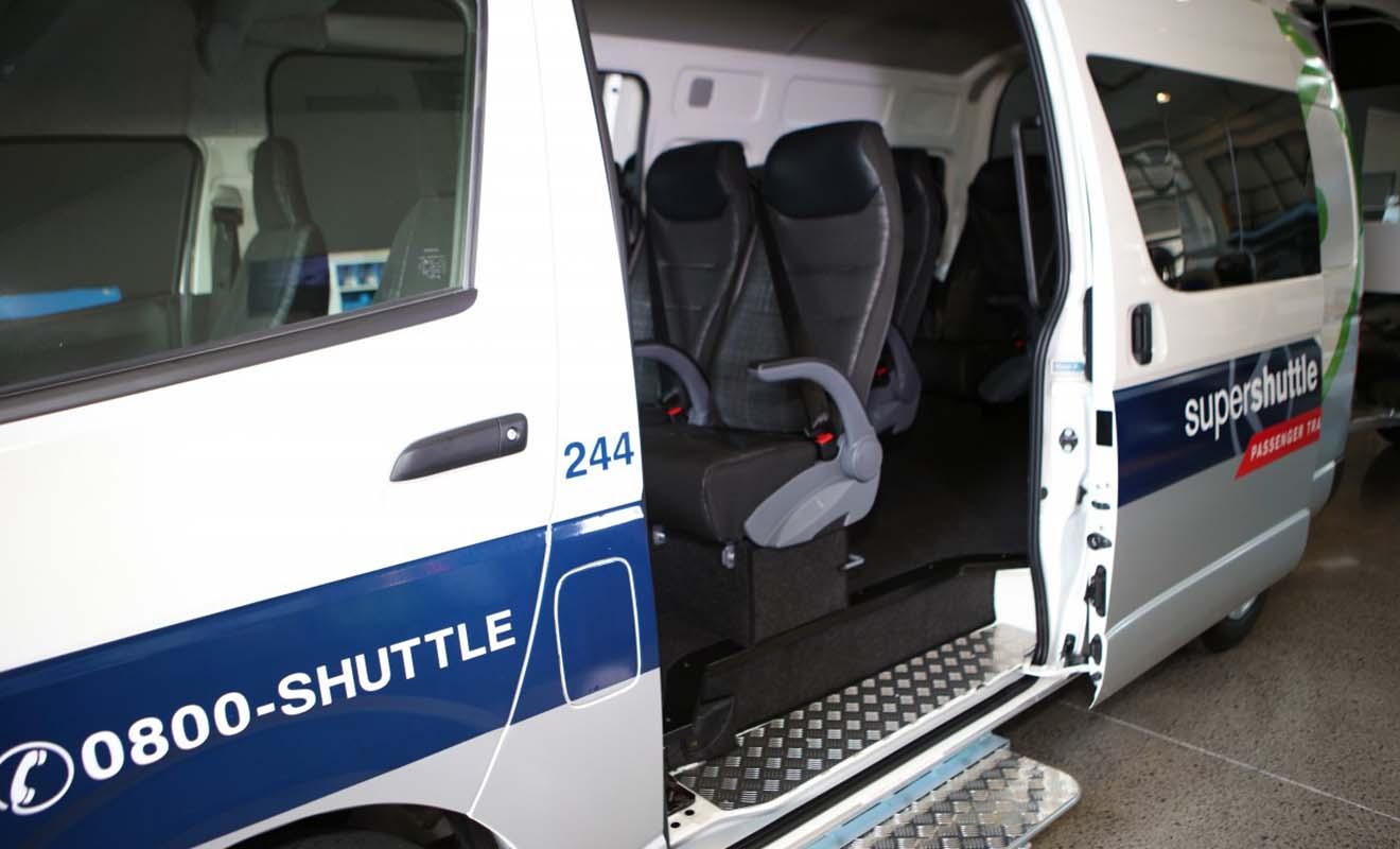 Le SuperShuttle est la solution qui facilite la logistique et réduit le stress du voyage.