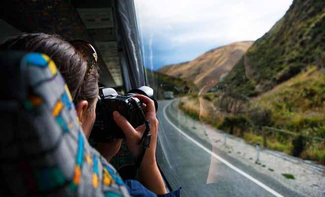 S'asseoir à côté d'une fenêtre permet de prendre des photos durant le trajet, même si la qualité sera altérée par la vitre.