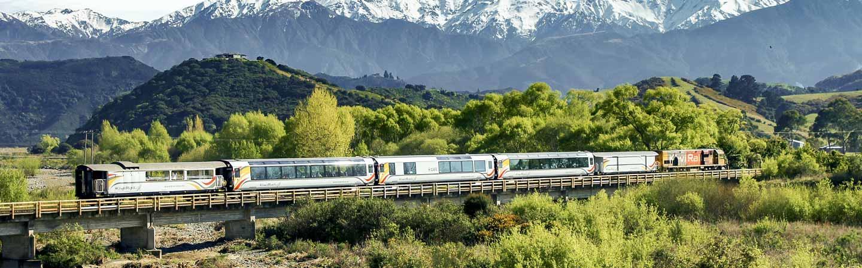 Le train permet d'admirer les plus beaux paysages du pays sans conduire.