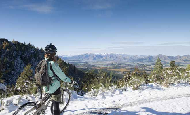 La Nouvelle-Zélande ayant la réputation de posséder une météo très instable, il est recommandé de bien étudier les prévisions météo avant de se lancer dans une grande randonnée à vélo.
