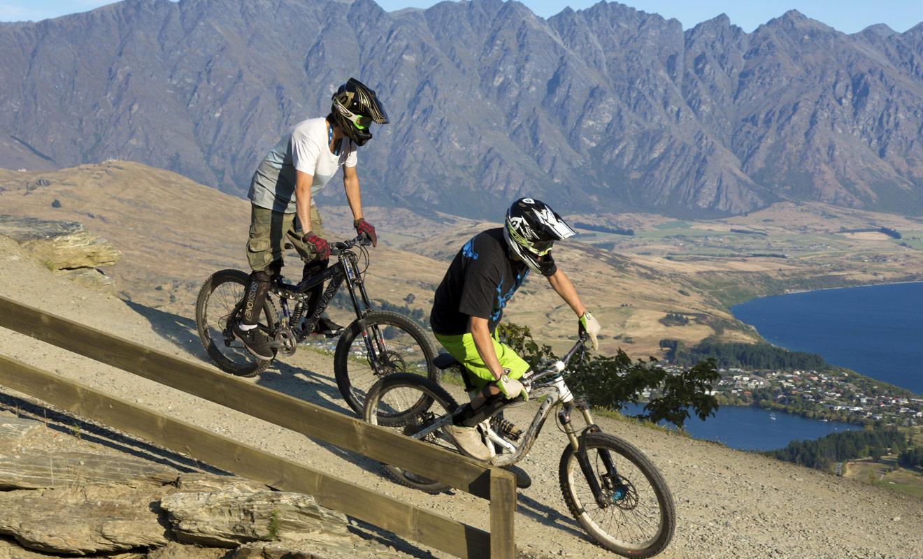 Les puristes se disputent depuis longtemps pour départager les pistes de vélo de Rotorua et de Queenstown. J'avoue préférer celles de Queenstown, car les paysages sont plus spectaculaires, mais c'est une affaire de goût...