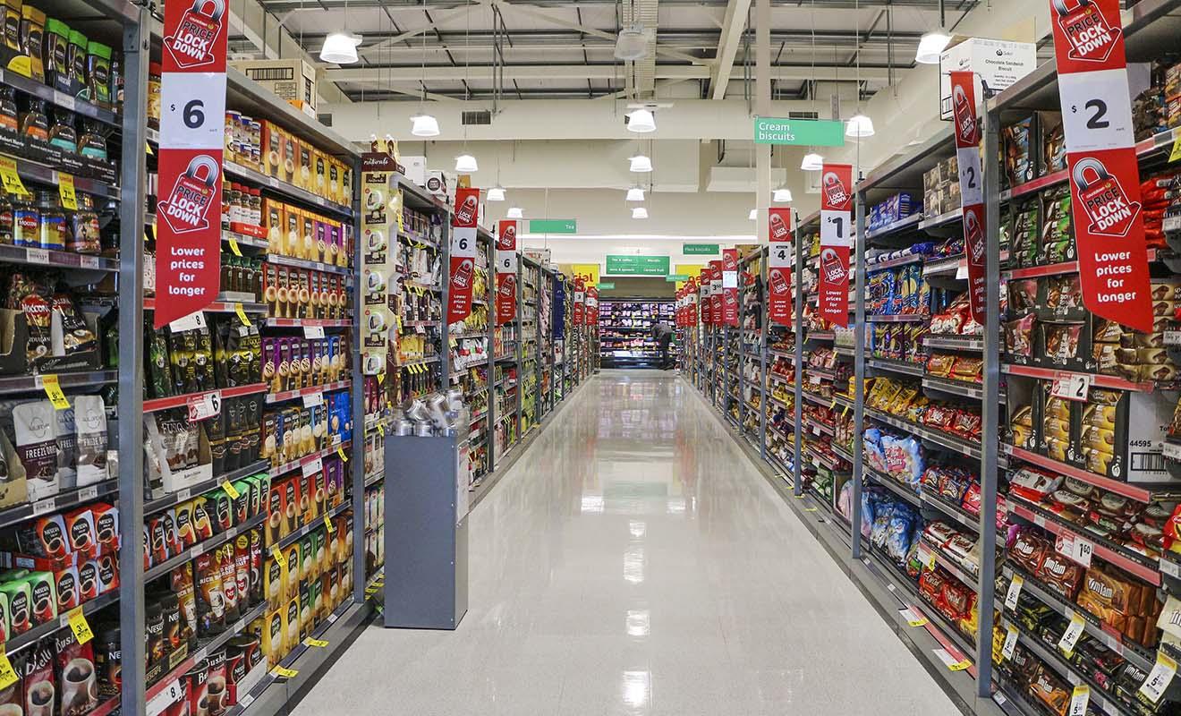 Les supermarchés ressemblent à des usines, avec des allées immenses chargées de produits que l'on n'a pas l'habitude de trouver en Europe.