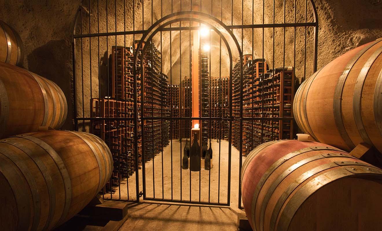 Quitte a acheter un souvenir durant le voyage, choisissez du vin, car vous aurez du plaisir à le déguster au retour avec des amis.