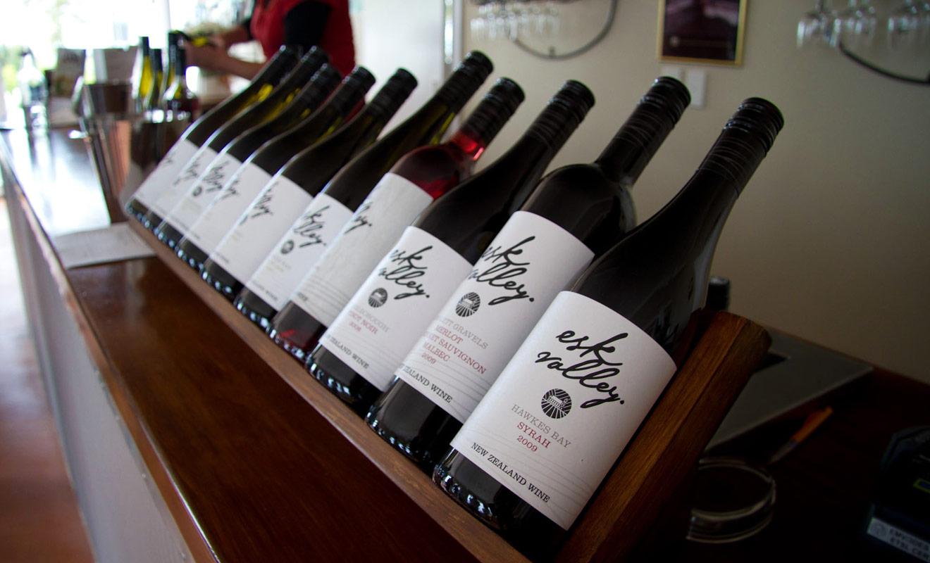 Le Syrah n'est pas le meilleur vin du pays, et sa production est encore marginale, mais rien ne vous interdit d'en commander au restaurant pour lui donner sa chance.