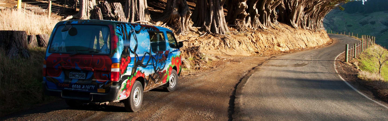 Le mini-van est le moyen idéal de visiter le pays tout en cherchant du travail.