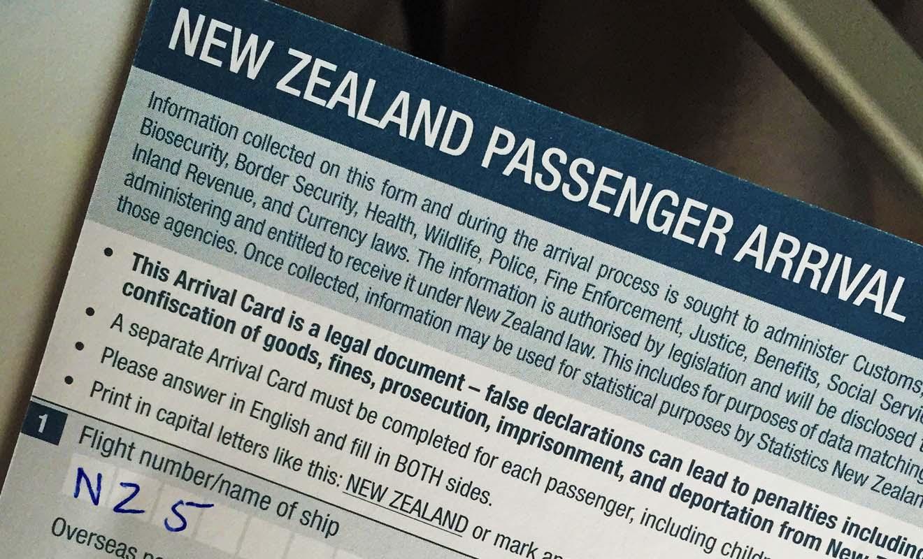 Cette carte doit être complétée avec le plus grand sérieux car elle permet de signaler la raison de votre séjour et les éventuels articles à déclarer au service des douanes.