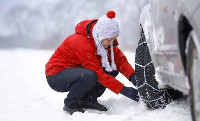 Le recours aux chaînes pour conduire est particulièrement rare, sauf si vous décidez de rejoindre les stations de ski avant le passage de la déneigeuse. En dehors de l'hiver, la question ne se pose évidemment pas.
