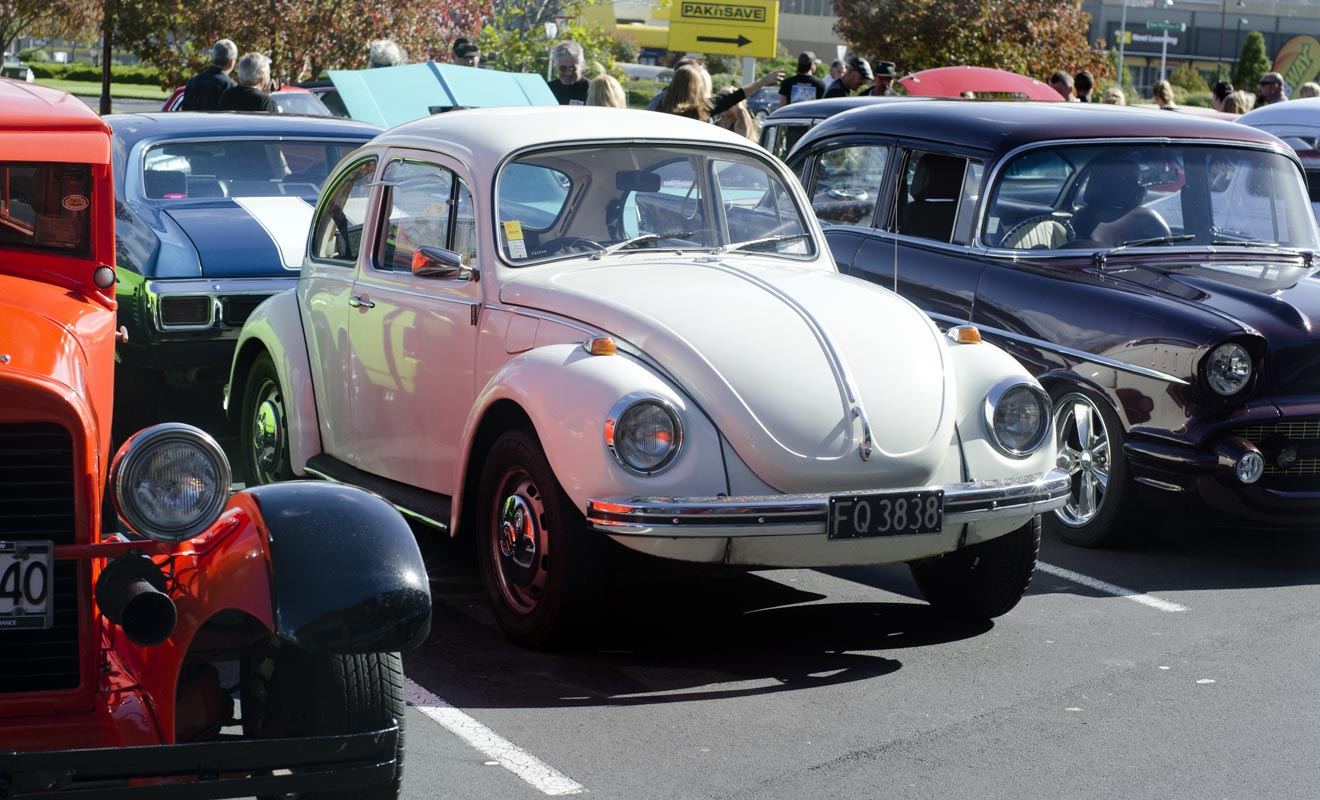 Réparer et entretenir sa voiture est un véritable sport national. Il n'est pas rare de croiser de vieux modèles des années 60 sur les routes.