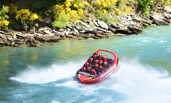 S'il est possible de visiter la Nouvelle-Zélande sans dépenser un centime pour les activités, il est toutefois difficile de faire l'impasse sur quelques attractions à sensation forte. Dans ce cas, n'oubliez pas de rechercher des promotions sur le site de bookme.co.nz.