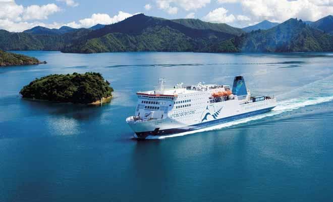 Vous pouvez embarquer votre véhicule à bord du ferry Interislander ou en changer d'une île à l'autre. Les places pour le ferry peuvent se réserver directement sur Internet.