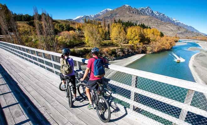 Il est possible de traverser la Nouvelle-Zélande du nord au sud en vélo.