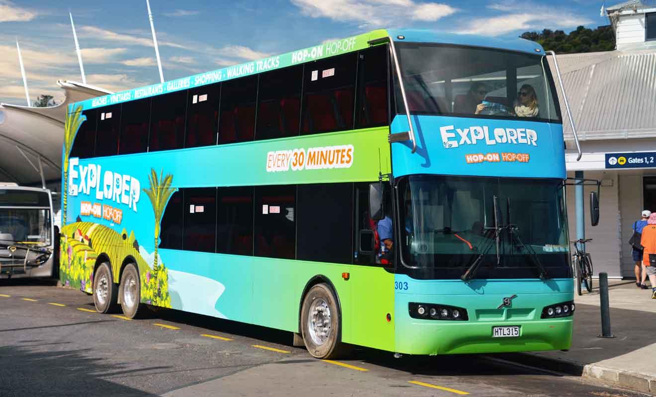 Avec une quinzaine d'étapes en réalisant une boucle, ce bus hop on hop off est très pratique pour les voyageurs pressés.