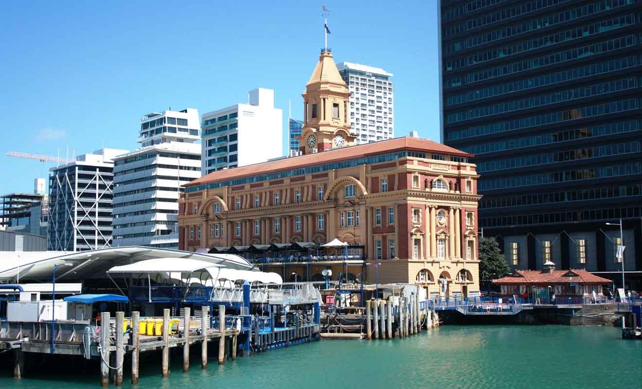 Plusieurs points de départs à Auckland sont possibles selon les compagnies de ferry.