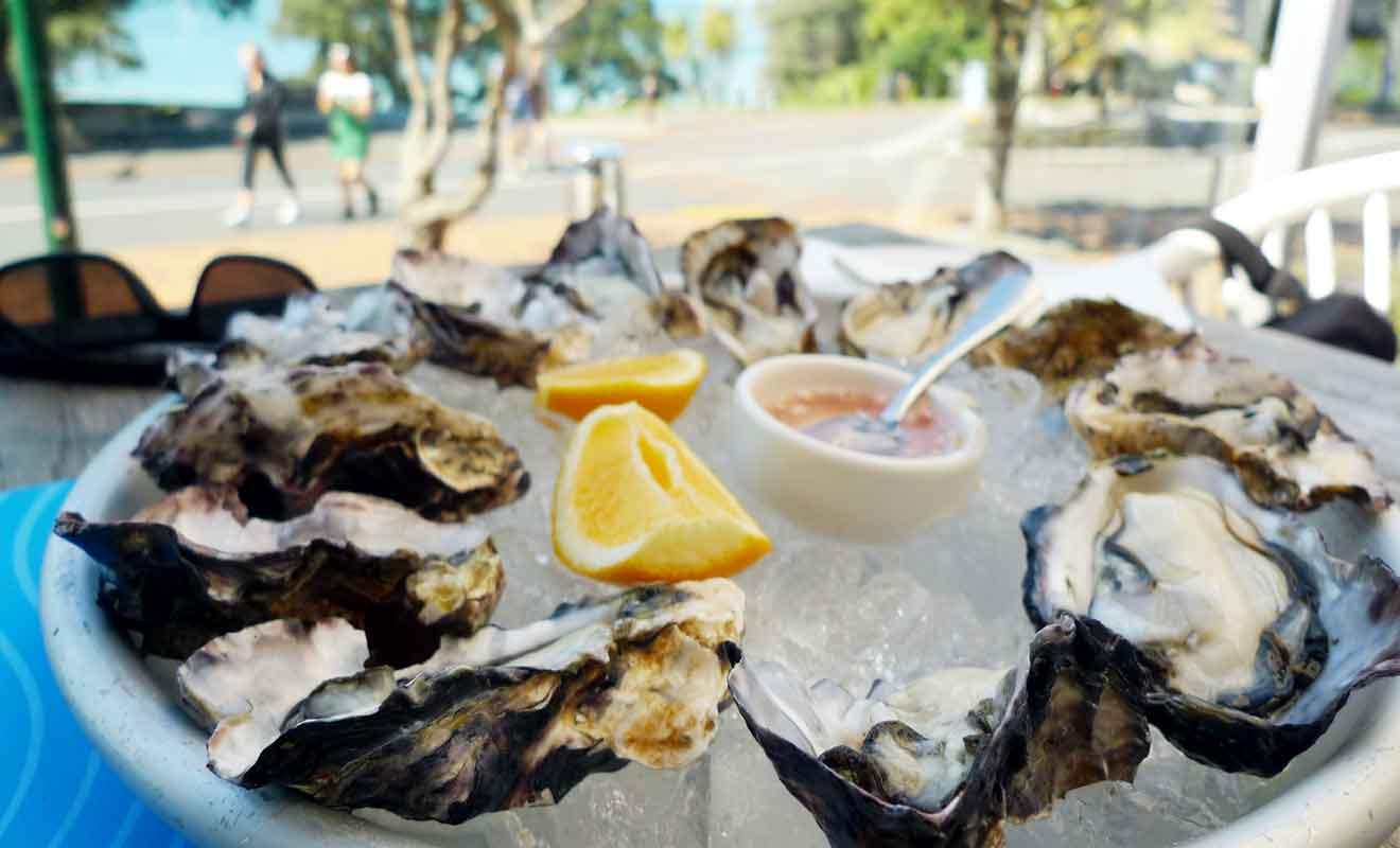 Le marché aux huîtres se trouve dans le village d'Ostend à la pointe sud de l'île.