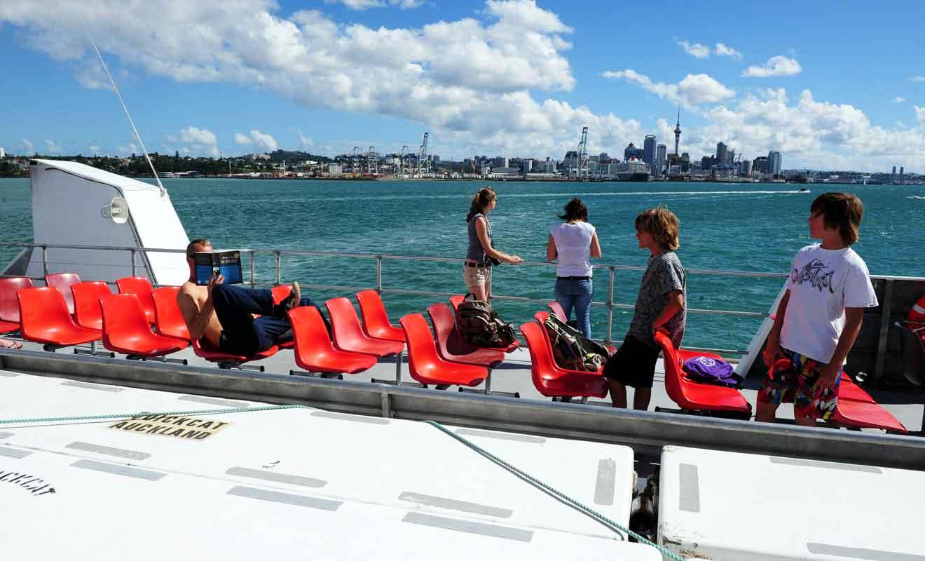 Les points de départ et d'arrivée diffèrent selon la compagnie de ferry.