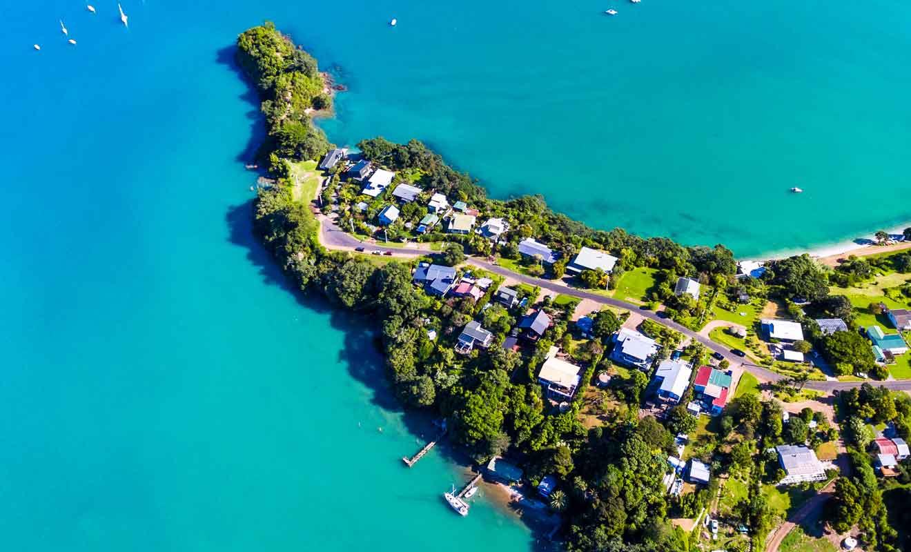 Le véritable nom maori de l'île est Motu-Wai-Heke.