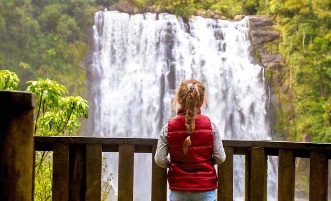 Les souvenirs d'enfance s'estompent de toute façon lorsque l'enfant atteint l'âge de huit ans environ. Par conséquent, l'argument qui veut que l'on ne fasse pas de grands voyages avec des bébés n'a guère de sens...