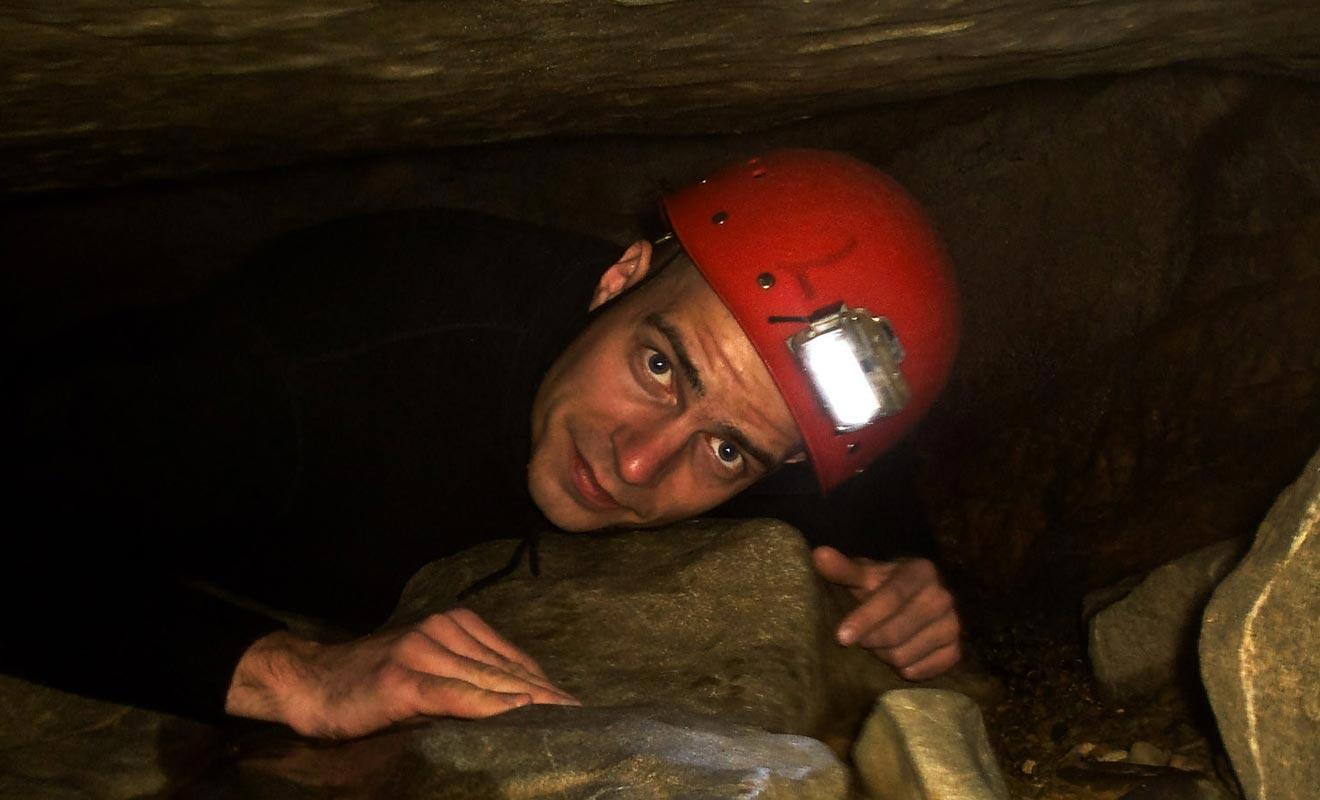 Certaines excursions imposent le port du casque, car il faudra parfois ramper dans d'étroites cavités.