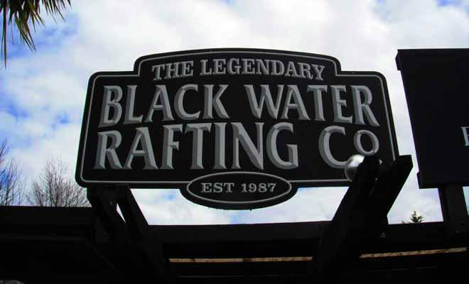 Trois excursions sont proposées par Black Water