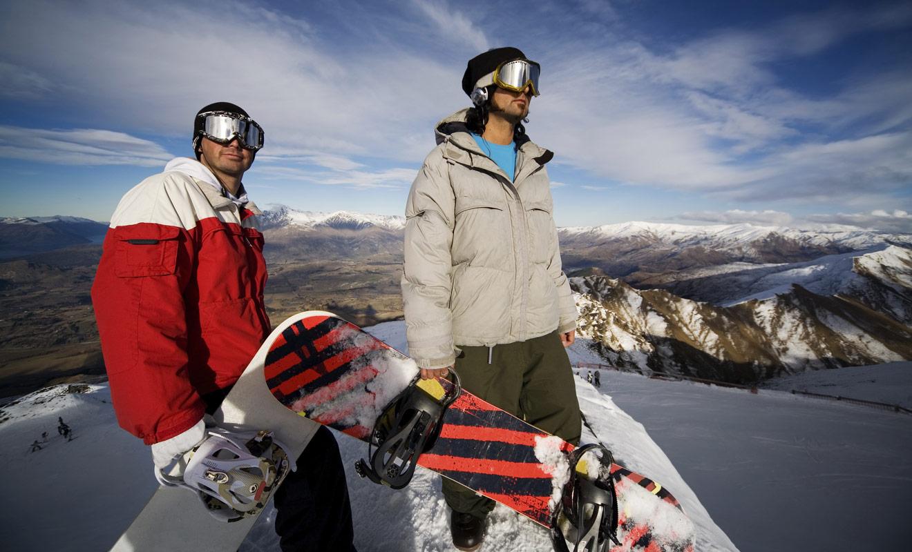 Les surfeurs sont les bienvenus dans les stations de montagne de Nouvelle-Zélande, et des pistes spéciales sont prévues pour les accueillir.