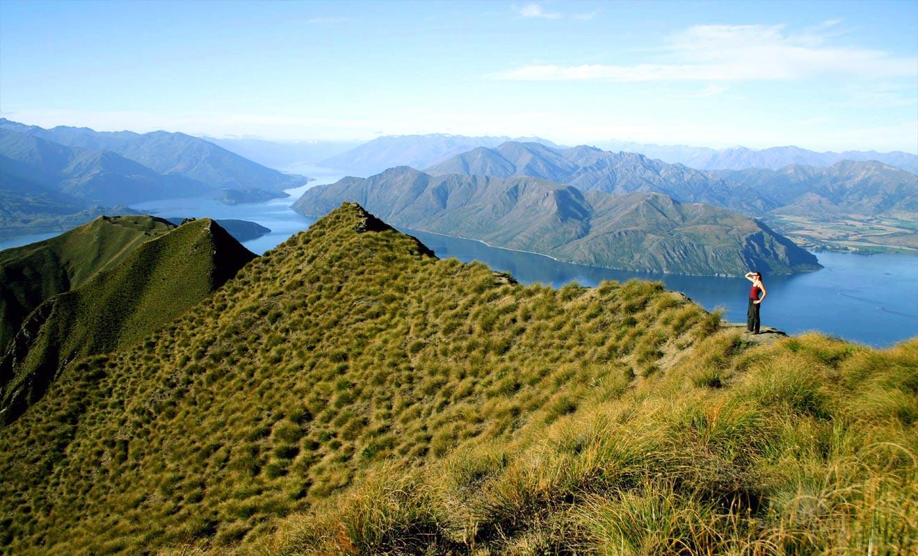 Quand on pense à la Nouvelle-Zélande, on imagine des paysages épiques à l'image du Seigneur des Anneaux. Wanaka dans la région de l'Otago est à la hauteur de l'attente des voyageurs.