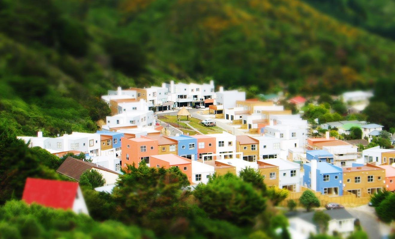 Se loger à Karori permet de profiter d'une vue panoramique magnifique sur la baie. Ce quartier sympathique est bâti à flanc de colline.
