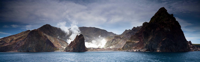 Visitez le volcan en activité de White Island en Nouvelle-Zélande.