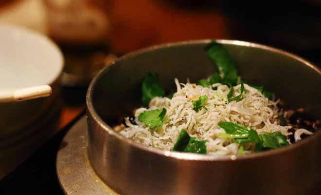 La saison du whitebait est attendue par tout un pays. Cette friture est servie dans les meilleurs restaurants.