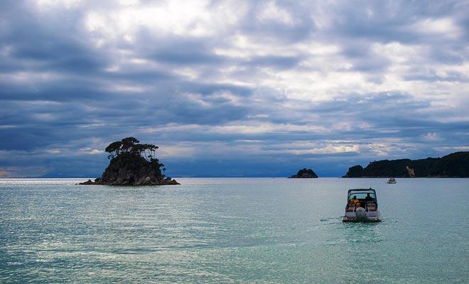 Water taxi's kunnen ook uw kajak dragen. Hiermee kunt u het nationale park in uw eigen tempo verkennen. Geen vast programma, u bepaalt uw route in volledige vrijheid.