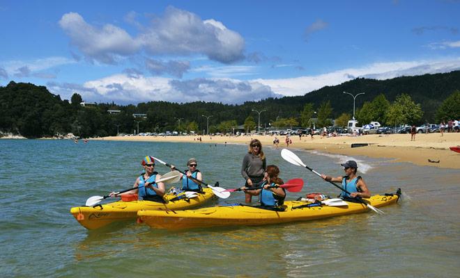 Zoals gebruikelijk, vooral bij watersporten, wordt het sterk aanbevolen om deel te nemen aan een kleine excursie, vergezeld van een deskundige gids.