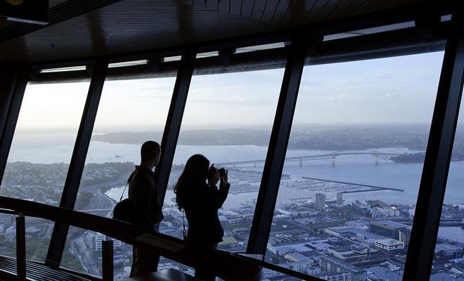 Realmente tienes que visitar la plataforma de observación para darse cuenta de la extensión de la ciudad. El inmenso puerto deportivo y los diversos distritos están bien indicados.