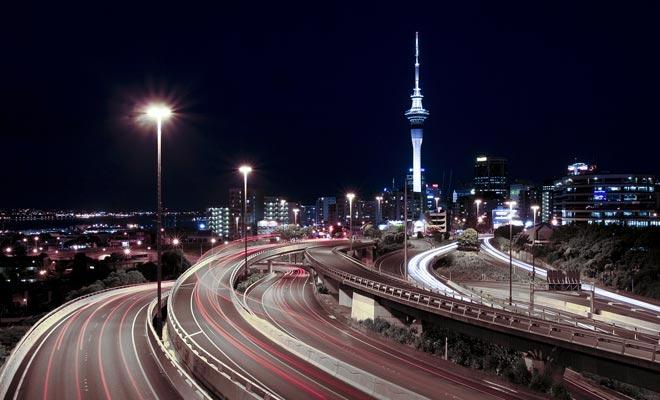 Het is moeilijk om Auckland te voorstellen zonder de beroemde Sky Tower. Maar de toren dateert pas vanaf 1997. Er moet gezegd worden dat de stad de afgelopen twintig jaar aanzienlijk is veranderd. En het is niet voorbij.