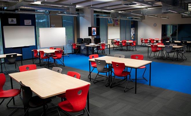 Los edificios de las universidades son modernos y bien mantenidos. Añada a eso la belleza del campus y usted consigue el ambiente ideal del estudio.