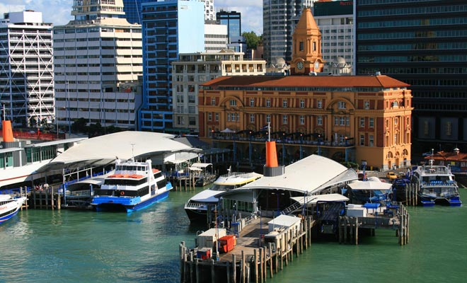 Renovated om de America's Cup te hosten (gewonnen door Nieuw-Zeeland), is de Viaduct Bassin ook het startpunt voor cruises.