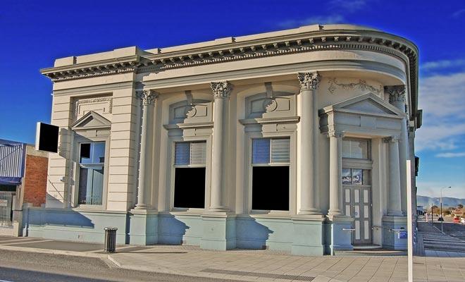 Sommige agentschappen zijn terug in de tijd van de Gold Rush. Vaak zijn banken herkenbaar aan de schoonheid van het gebouw, meestal gelegen op een hoofdstraat in de stad.