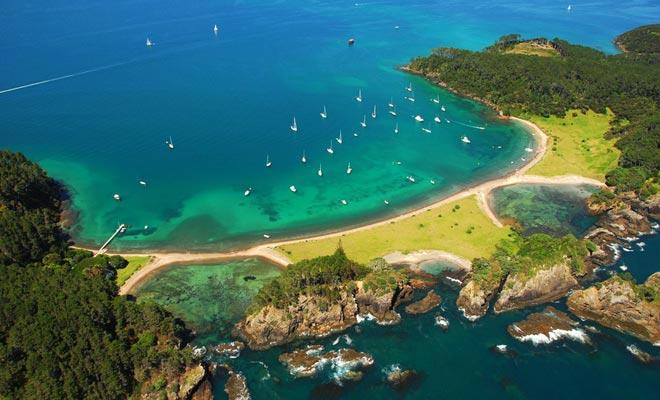 Para muchos, la isla más hermosa de la bahía es Robertson's.
