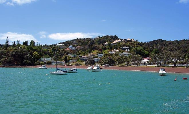 En el momento de la colonización, Russell era una ciudad particularmente peligrosa de bandidos. Hoy en día, es un lugar de vacaciones muy apreciado por la población y los visitantes de la Bahía de las islas.