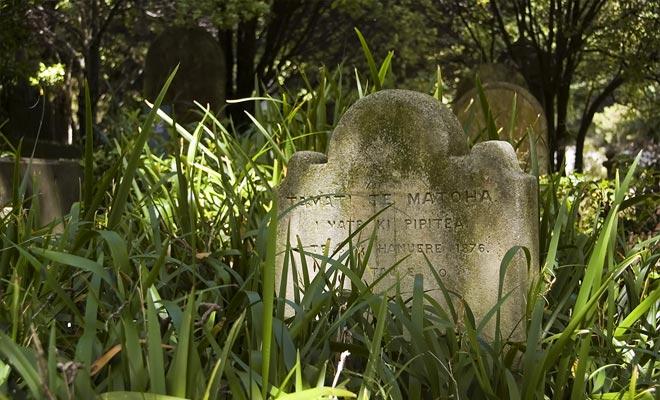 El viejo cementerio de Russell Maori tiene mucho encanto. Pero es un lugar sagrado, tendrá que pedir permiso antes de visitarlo.