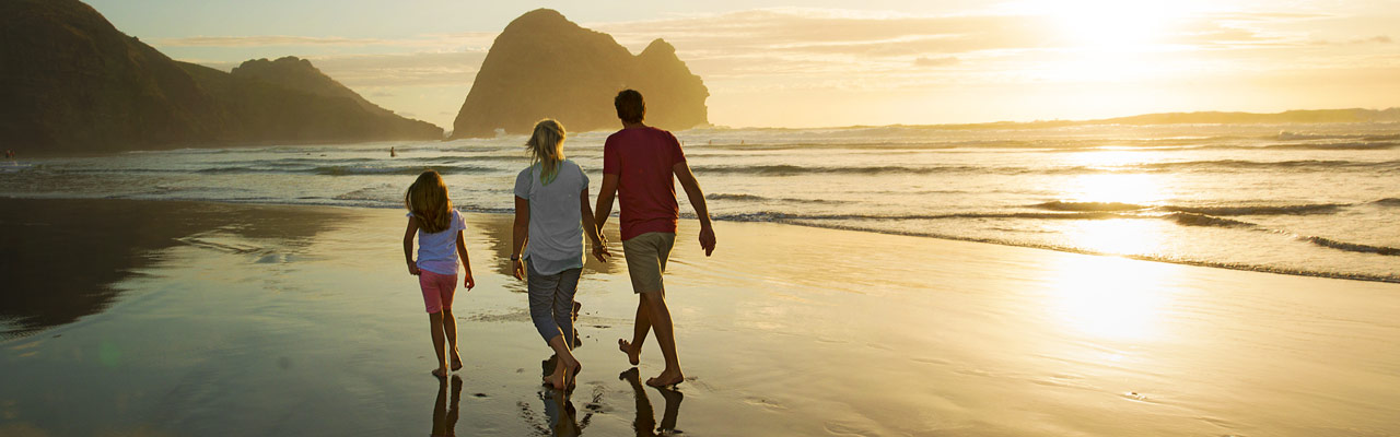 Discover the most beautiful beaches in New Zealand for rest and fun.