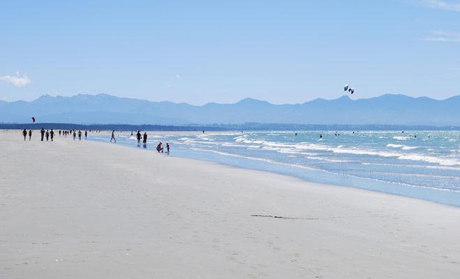 Imagina un país con miles de kilómetros de playas de todos los colores (blanco, negro, amarillo, naranja ...).